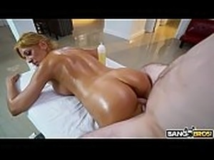 wet cougar pussy