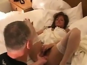free video fingering babe orgasm