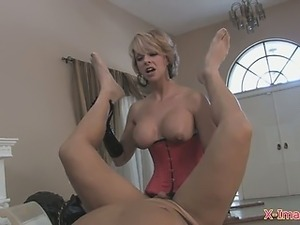 the amateur strapon wife