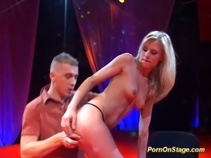 webcam dancing babes