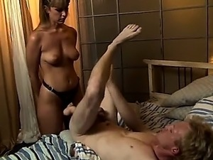 black woman strapon sex