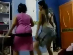 arabic teen lesbian