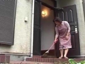 korean girl masterbates on the toilet