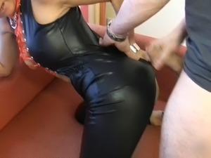V string latex vagina