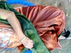 sexy saree wearing girls