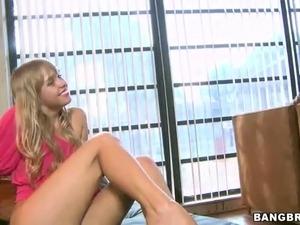 Hot foot girls
