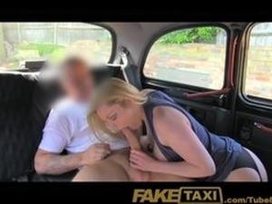Pakistani girls sex in car