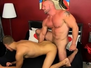 porn tube muscle girl