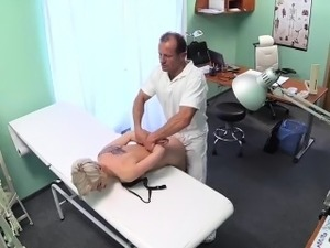 doctor on her pussy