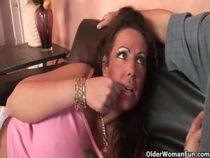 sexy cougar cum muscular ass story