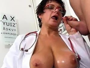 czech pee porn videos