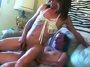 lesbian sucking shaved clit movie
