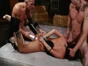 girls in bondage naked