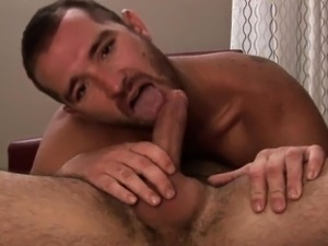 Dilf deepthroats stud and gets fingered
