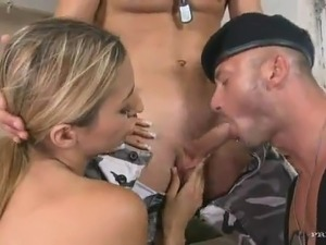 naked army girl in iraq
