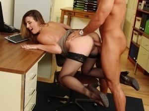 secretary flashing pussy