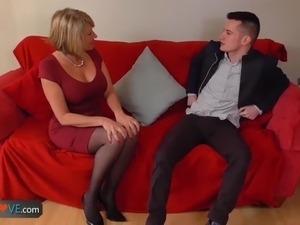 blonde lesbain sex