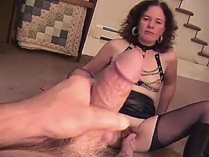 Entertaining amateur mature boots porn