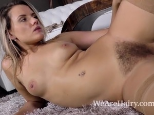 Teen hairy cunt