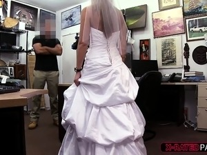 bride sex thumbs pics