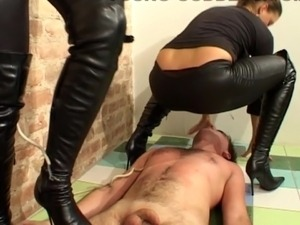 erotic pictures sexy black domme boots