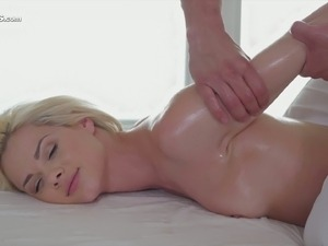 shaved pussy wipped on torture table