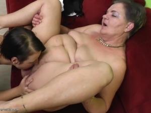 mature lesbian tits