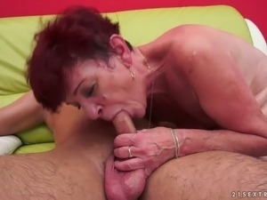 lesbian rubbing pussies missionary porn videos