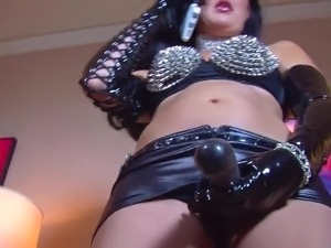 trained to suck mistress pussy