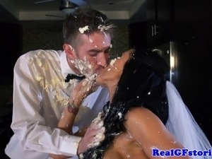 bride sucks dick for a facial