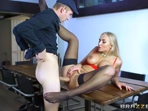 gang bang blondes free sex