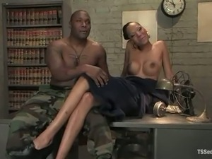 naked us army females video