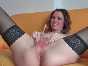 Free amateur voyeur pissing and masturbatingvideos pics 408