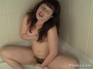 pictures of babes taking bubble bath