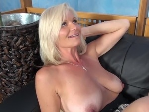 young blonds fuck