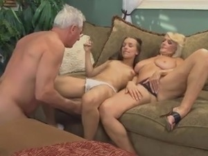 man-talks-to-housekeeping-naked-video-sexy-beach-mod-download