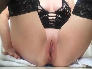 Three bangs butt plug in pussy