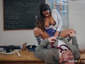 girls pe teacher essex netball