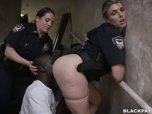 Sexy police officer black angelika inspects a prisoner 5