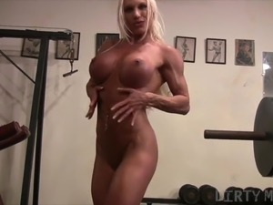 Nude gym girl