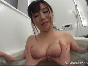 girls bathing pics