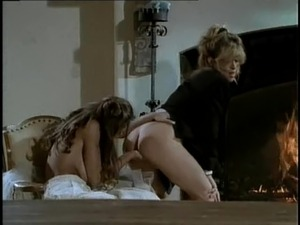 Chasey lain threesome