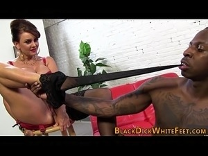 bizarre young pussy