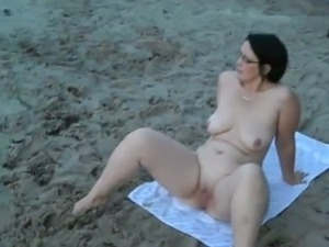 bikini beach models galleries