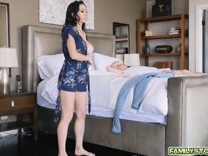 curvy mature suck aunt video