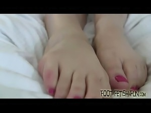free lesbian foot sex videos