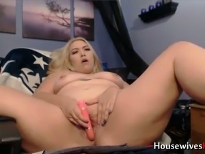 lonely house wife webcam