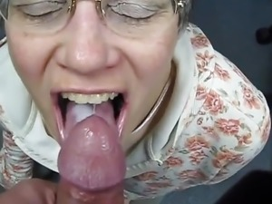 mature swallowing cum video