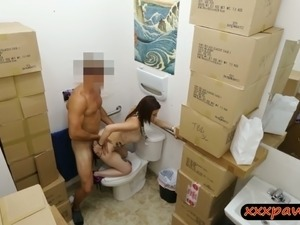girls pooping naked in toilets