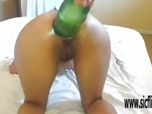 vegetable insertions in pussy